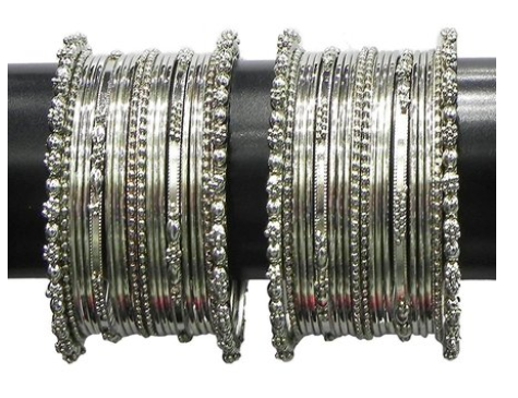 """Silver bangles from Tata Cliq, for a discounted price of Rs. 399 <a href=""""https://fave.co/2lB5rdG"""">BUY HERE</a>"""