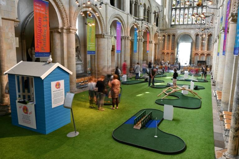 The course is the latest move by the Church of England to stem dwindling congregations in an increasingly secular Britain. (AFP Photo/Ben STANSALL)
