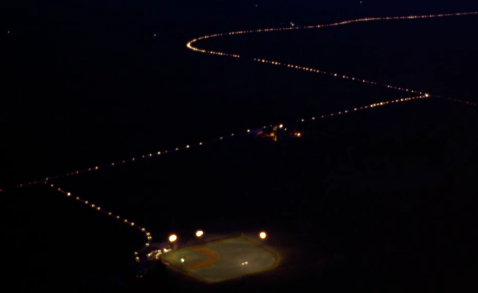 2,500 cars lined up the final shot of 'Field of Dreams' (Photo: Universal)