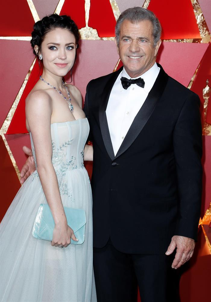 <p>61-year-old Mel Gibson and his 26-year-old girlfriend Rosalind Ross welcomed their first child on January 20. The little boy, named Lars Gerard, is the actor's ninth child. <i>[Photo: EFE]</i> </p>