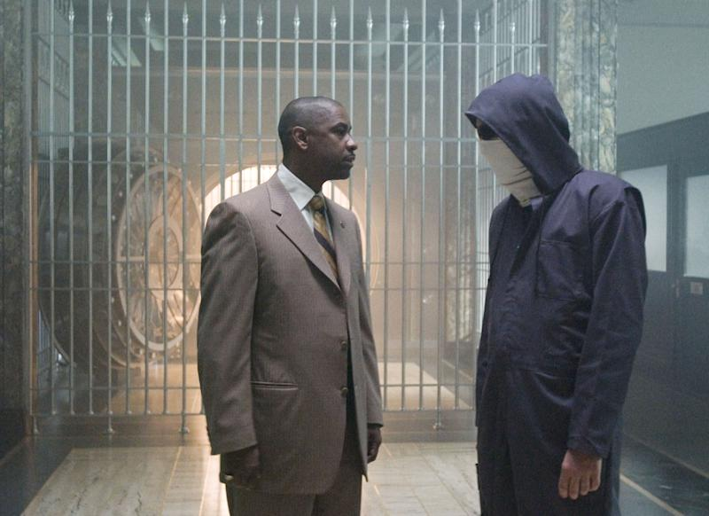 """In this photo provided by Universal, Denzel Washington, left, and Clive Owen are shown in a scene from """"Inside Man.""""   (AP Photo/Universal Pictures, David Lee)"""