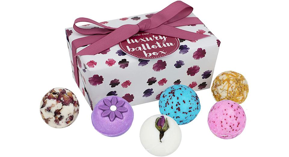 Bomb Cosmetics Luxury Ballotin Handmade Bath Melt Gift Pack