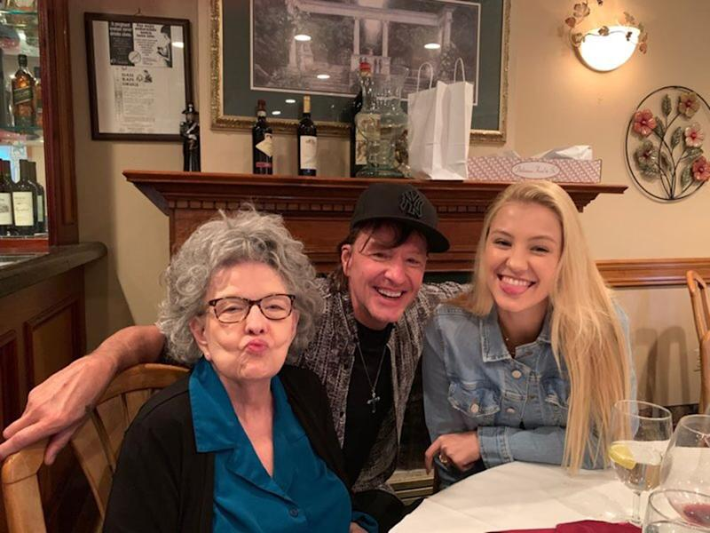 Richie Sambora with daughter Ava and mom Joan | Facebook