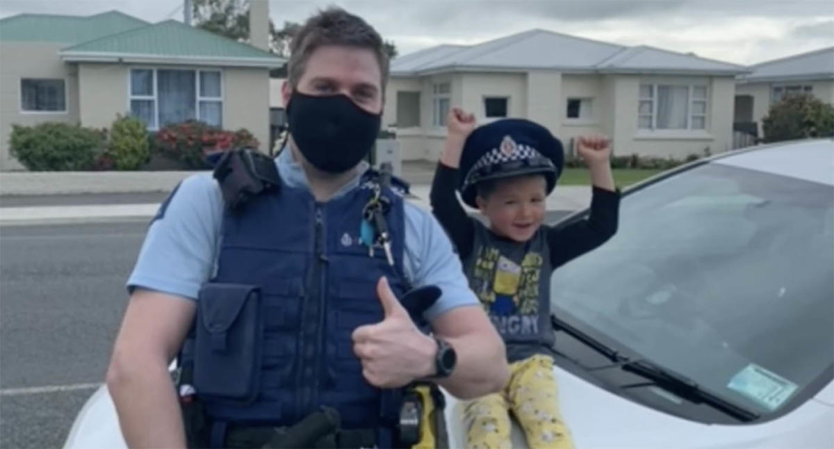 'Can I tell you something?' Boy's innocent call to police goes viral
