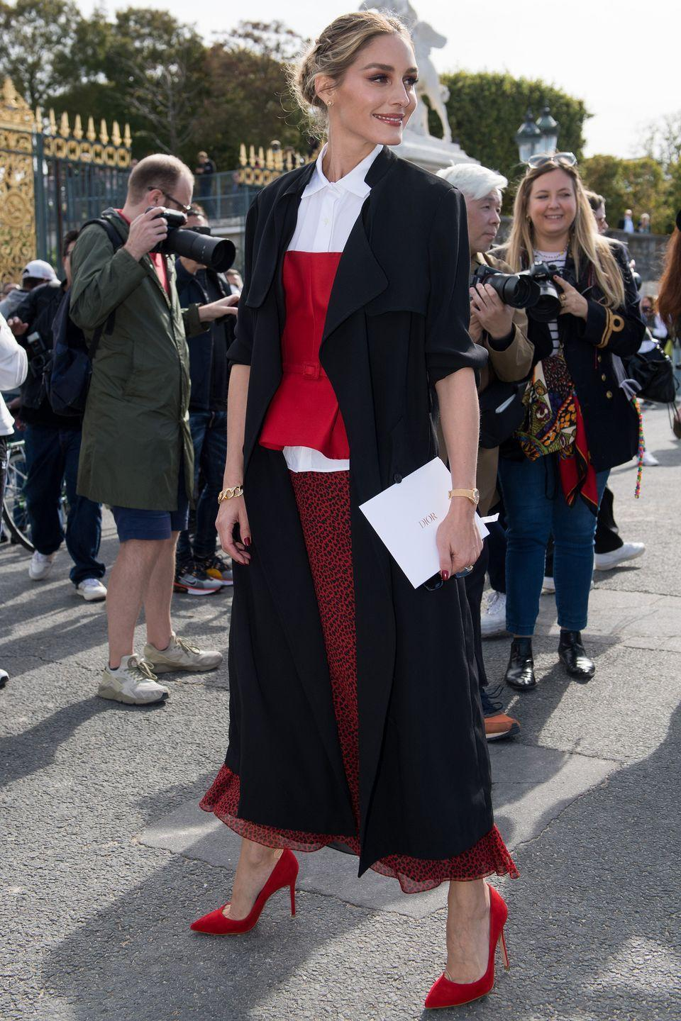 <p><strong>28 September </strong></p><p>Olivia Palermo looked effortlessly elegant outside the Dior show. </p>