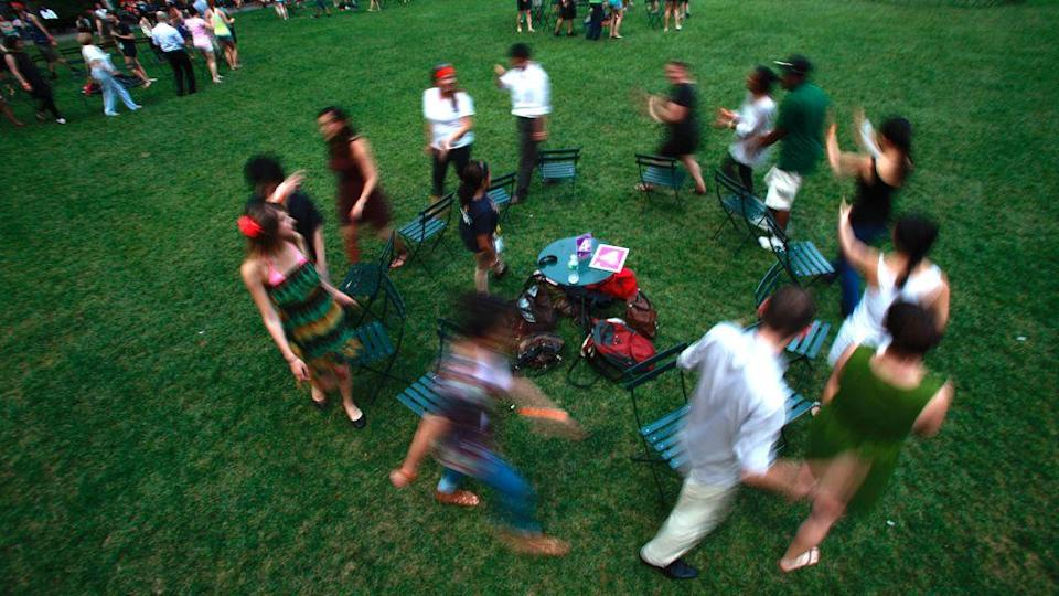 Contestants play musical chairs in New York