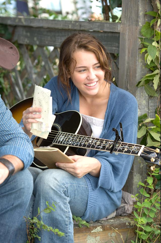 """2 NOMINATIONS -- <a href=""""http://movies.yahoo.com/movie/1810025272/info"""">Hannah Montana The Movie</a>  Breakthrough Female Performance - <a href=""""http://movies.yahoo.com/movie/contributor/1809849015"""">Miley Cyrus</a>  Best Song"""
