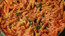 """<p><a href=""""http://www.delish.com/cooking/recipe-ideas/g3176/weeknight-pasta-dinners/"""" rel=""""nofollow noopener"""" target=""""_blank"""" data-ylk=""""slk:Pasta addicts"""" class=""""link rapid-noclick-resp"""">Pasta addicts</a>, you've come to the right place.</p>"""