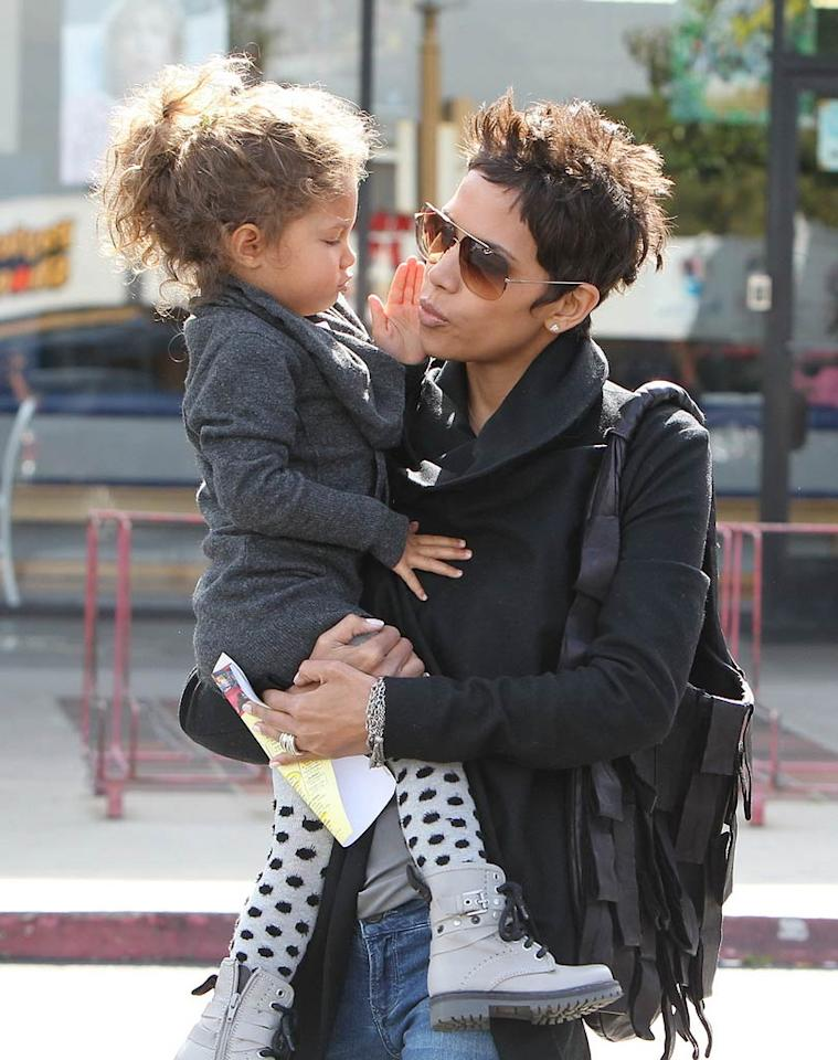 """Aw! Halle Berry and her cutie pie Nahla, 3, were snapped spending some QT while heading into Toys R Us in Los Angeles. Miguel Aguilar/<a href=""""http://www.pacificcoastnews.com/"""" target=""""new"""">PacificCoastNews.com</a> - February 28, 2011"""