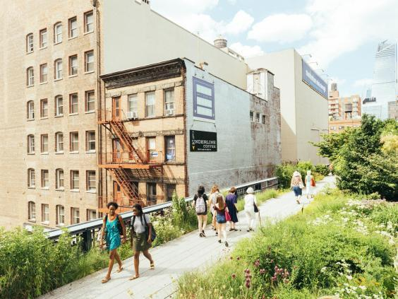 Wander the High Line public park for free (iStock)