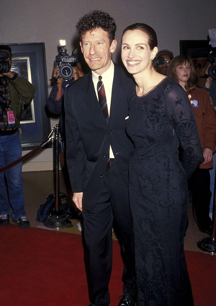<p>Having met on the set of <em>The Player</em>, they tied the knot three weeks after dating (hello, that's fast!), but sadly it didn't make it very long. They split about 21 months afterwards back in 1995.</p>