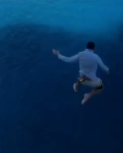 Man jumps from world's largest cruise ship for Instagram fame