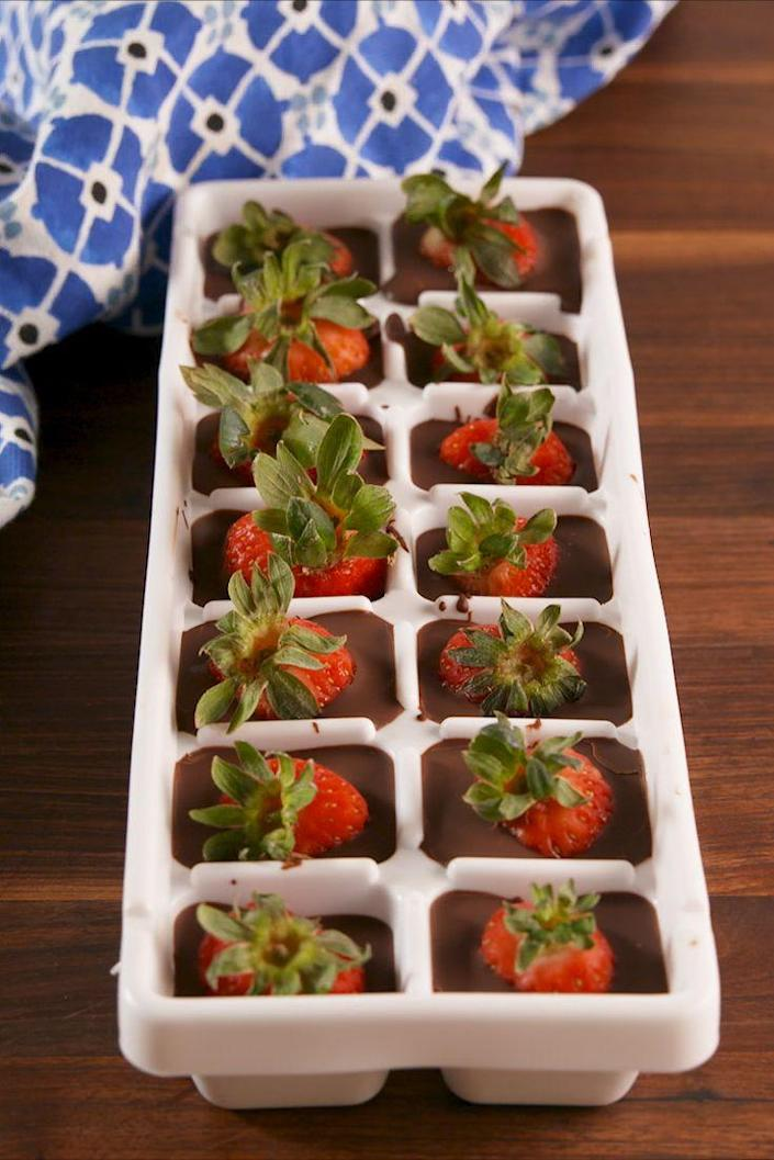"""<p>The perfect chocolate to strawberry ratio.</p><p>Get the recipe from <a href=""""https://www.delish.com/cooking/recipe-ideas/recipes/a58069/chocolate-covered-strawberry-cubes-recipe/"""" rel=""""nofollow noopener"""" target=""""_blank"""" data-ylk=""""slk:Delish"""" class=""""link rapid-noclick-resp"""">Delish</a>.</p>"""