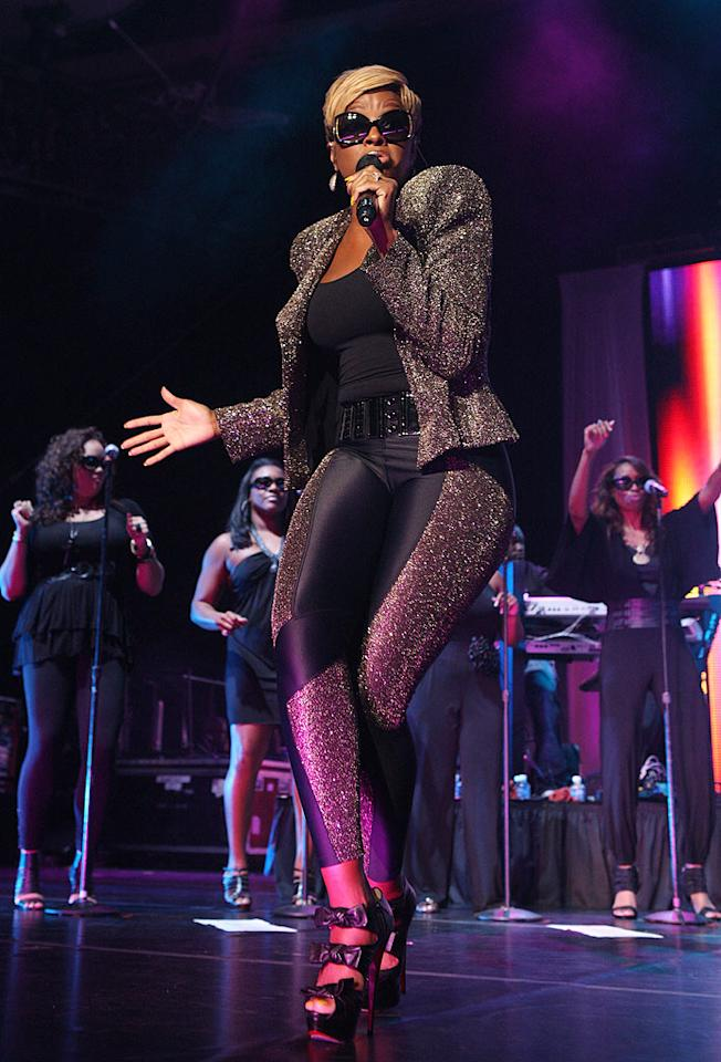 "Mary J. Blige, the ""Queen of Hip-Hop Soul,"" earned rave reviews for her 90-minute performance. The crowd was treated to tunes such as ""Real Love"" and ""No More Drama."" Bennett Raglin/<a href=""http://www.wireimage.com"" target=""new"">WireImage.com</a> - July 4, 2010"