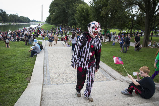 <p>A Juggalo gathers during the Juggalo March, at the Lincoln Memorial on the National Mall, Sept. 16, 2017 in Washington. (Photo: Al Drago/Getty Images) </p>