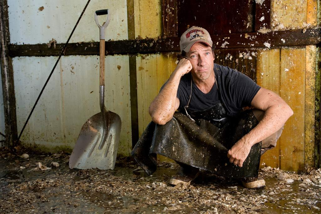 Mike Rowe on location at Meadowbrooke Farms in Carlisle, PA, for Dirty Jobs Gourd Maker episode.