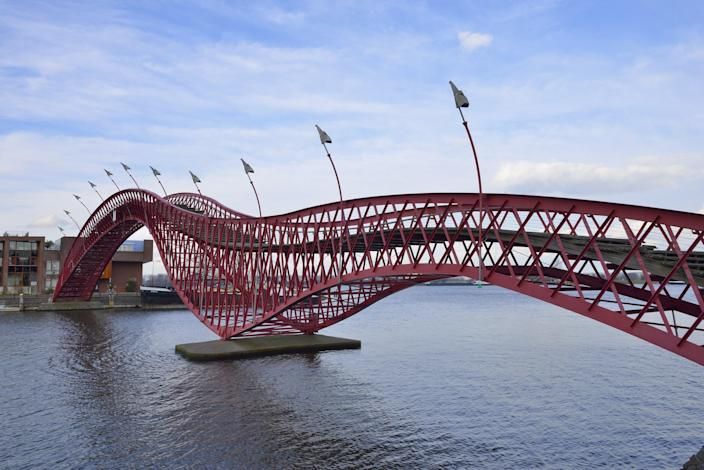 Completed in 2001, Amsterdam's High Bridge (which also goes by the name Python Bridge) was designed by the New York–based firm West 8.