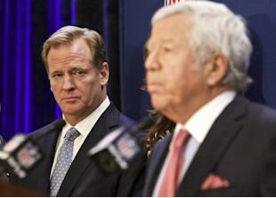 Roger Goodell and Patriots owner Robert Kraft don't see eye-to-eye on the deflate-gate punishment. (AP)