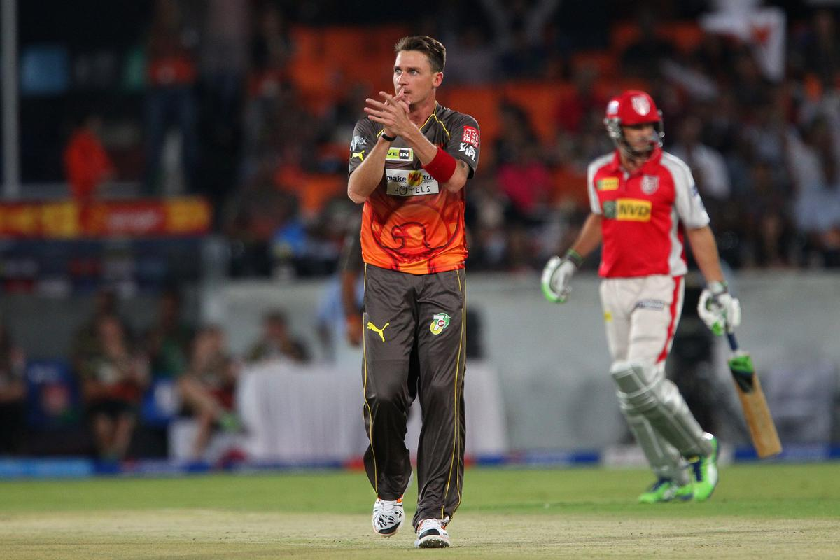 Dale Steyn applauds the fielder during match 25 of the Pepsi Indian Premier League between The Sunrisers Hyderabad and The Kings XI Punjab held at the Rajiv Gandhi International  Stadium, Hyderabad  on the 19th April 2013..Photo by Ron Gaunt-IPL-SPORTZPICS..Use of this image is subject to the terms and conditions as outlined by the BCCI. These terms can be found by following this link:..https://ec.yimg.com/ec?url=http%3a%2f%2fwww.sportzpics.co.za%2fimage%2fI0000SoRagM2cIEc&t=1503025539&sig=4DaecBBSKqpUZZ89va2Wmw--~D