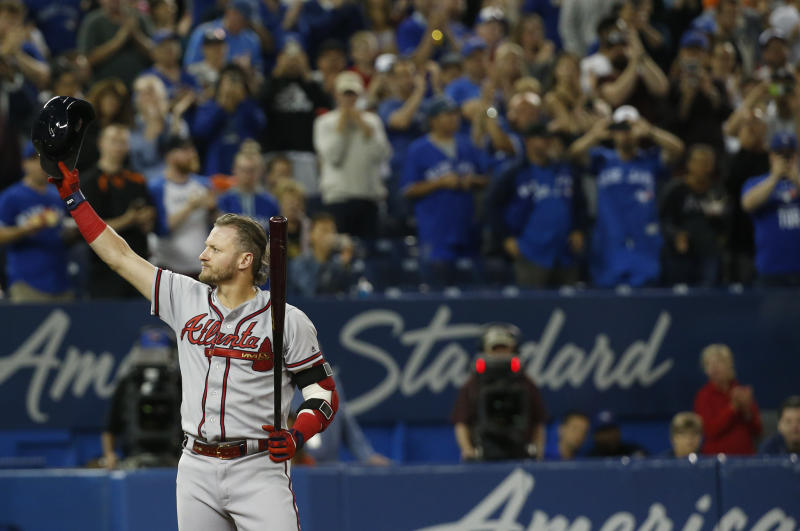 TORONTO, ON - AUGUST 27: Former Jays 3rd baseman Josh Donaldson, now on the Atlanta Braves, acknowledges the crowd as he heads into the batters box for his first at bat. Toronto Blue Jays Vs Atlanta Braves in MLB play at Rogers Centre in Toronto. Toronto Star/Rick Madonik (Rick Madonik/Toronto Star via Getty Images)