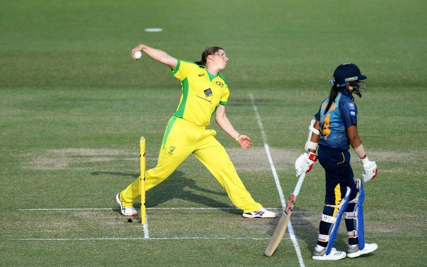Wareham goes into bat for value of leg-spin