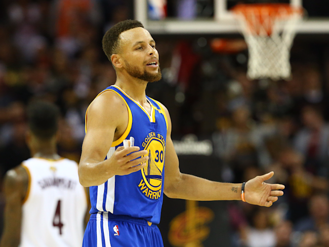 Stephen Curry issues response to Donald Trump's tweet