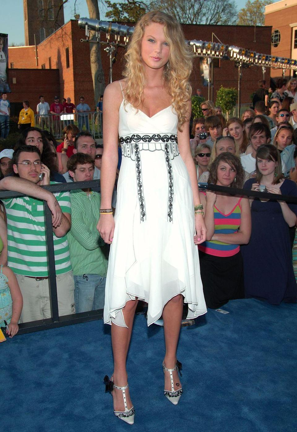 <p>In 2006, Taylor Swift was a country music singer known for her blonde curls, princess dresses, and hit songs about losing the love of her life or not being able to live up to the high school cheerleaders. Endearing and relatable, Swift was country music's darling. </p>