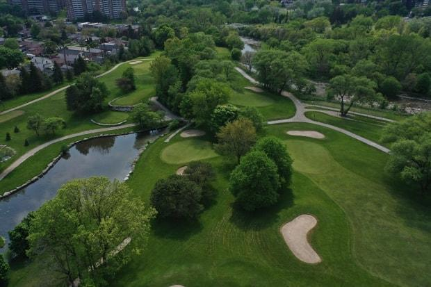 Golf, tennis, basketball and other outdoor sports can reopen on Saturday across Ontario, with capacity limits.
