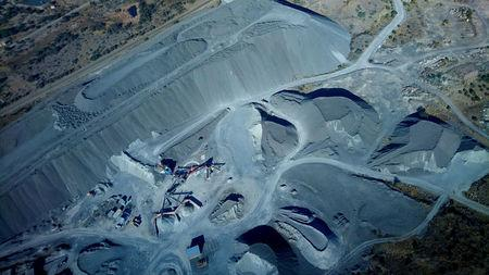 FILE PHOTO - A platinum mine outside Rustenburg, South Africa on July 9, 2016.   REUTERS/Thomas White/File Photo