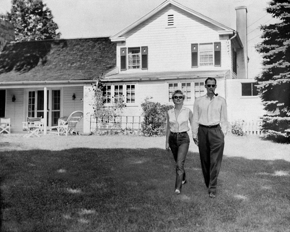 <p>When Marilyn Monroe married Arthur Miller, the two began splitting their time between their Manhattan Sutton Place apartment and a country home in upstate New York. </p>