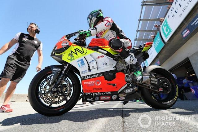 """Eugene Laverty, Team Go Eleven <span class=""""copyright"""">Gold and Goose / LAT Images</span>"""