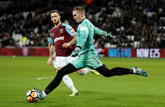 Soccer Football - FA Cup Third Round Replay - West Ham United vs Shrewsbury Town - London Stadium, London, Britain - January 16, 2018 Shrewsbury Town's Dean Henderson in action with West Ham United's Marko Arnautovic Action Images via Reuters/John Sibley
