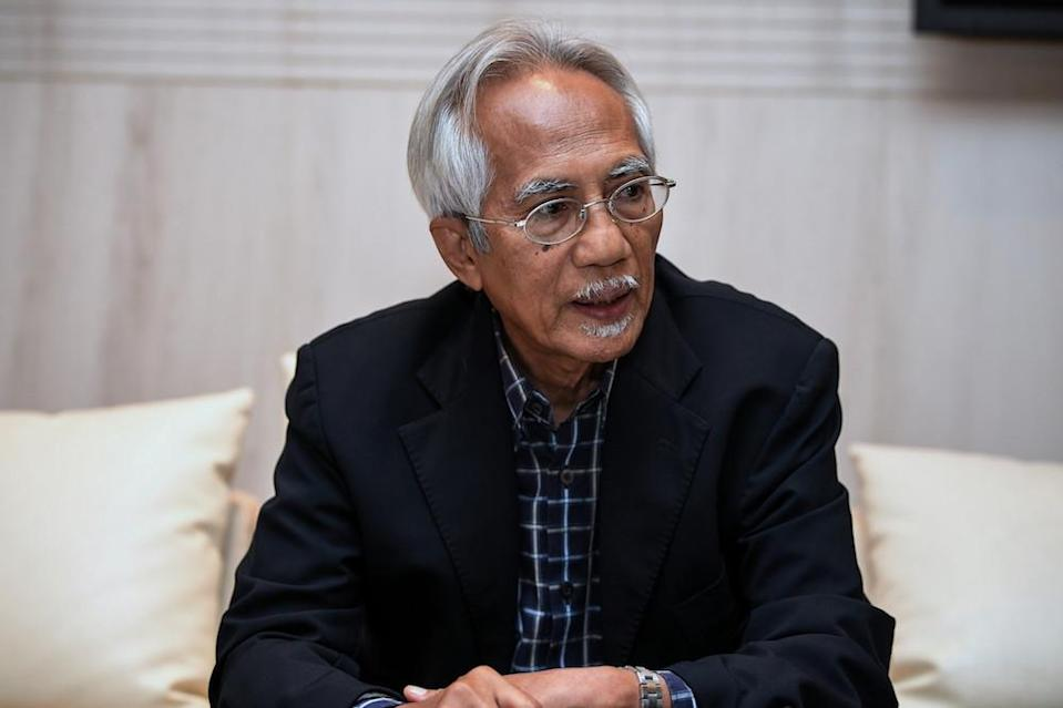 Veteran newsman Datuk A. Kadir Jasin said today that Opposition leader Datuk Seri Anwar Ibrahim might have heeded the advice of the Agong in allowing the budget to pass. — Bernama pic