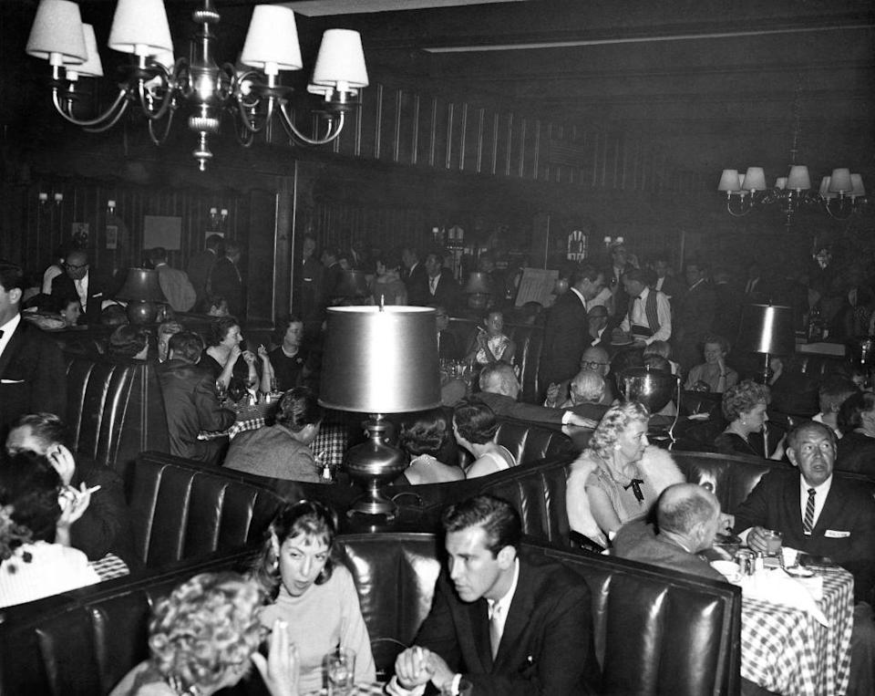 <p>They were used in all kinds of eateries—from diners to fancy steak houses. And, boy, do they look comfortable. Can we bring this back?</p>