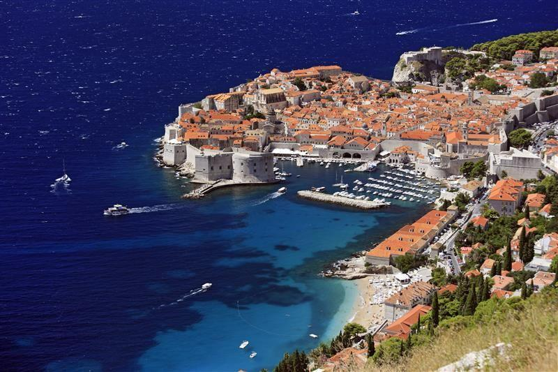 <p>Croatia's most popular city amongst tourists also has one of the best and most conveniently located beaches. From Banje Beach you can see Dubrovnik's impressive city walls providing an incomparable view for those relaxing on the beach.</p>