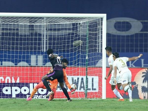 Diego Mauricio taps home to give OFC the lead in the first half (Image: ISL)