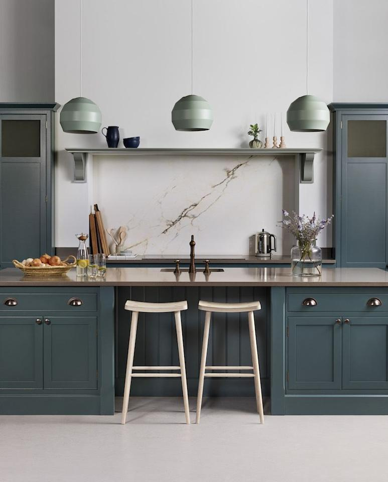 "<p>This dark green <a href=""https://www.harveyjones.com/"" target=""_blank"">Harvey Jones</a> kitchen captivated Houzz readers last year, thanks to its striking cabinets, statement pendant lights and marble splashback. With green kitchens increasing by 50 per cent in search since 2018, we're certain to see more of them in 2020.  </p>"