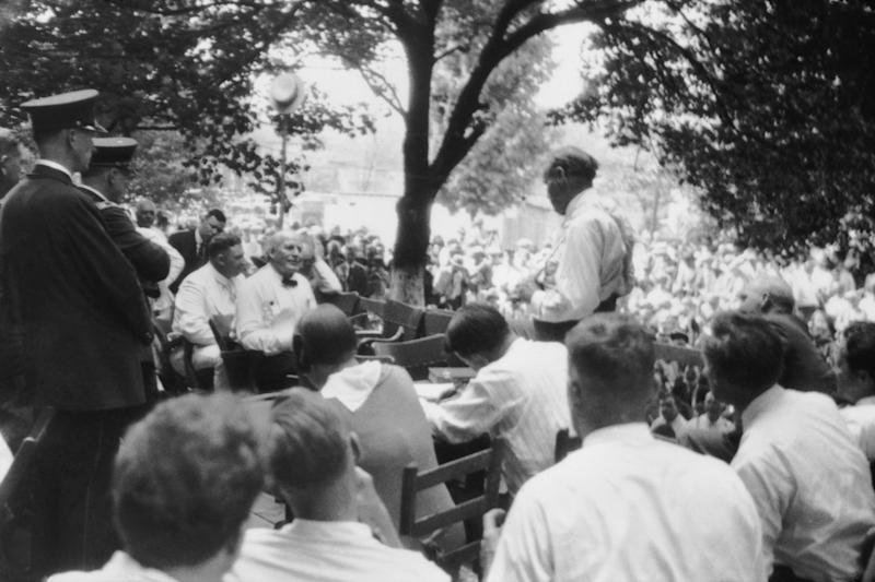 Clarence Darrow cross-examines William Jennings Bryan in Dayton, TN in the most famous moment of the Scopes Monkey Trial (Photo: Everett Collection)
