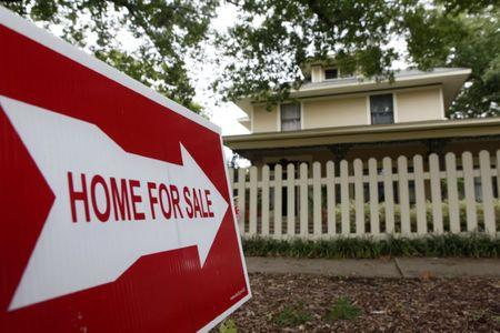 U.S. existing home sales fall to 5.35 million in August vs. 5.46 million forecast