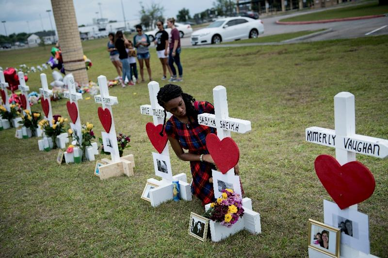 Santa Fe school shooting prompts roundtable discussions with Gov. Abbott, Texas leaders