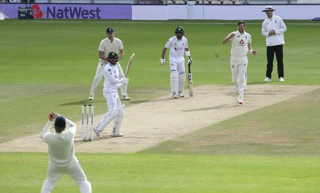 Joe Root takes the catch to give James Anderson his 600th Test wicket