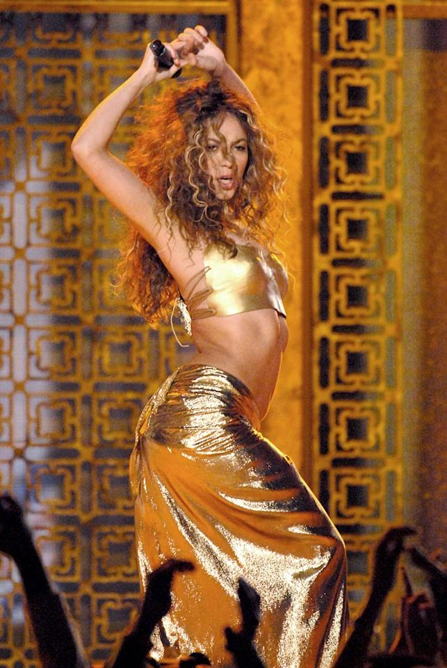 """10. Shakira. Whether she's shaking her hips, or her long curly locks, fans can't get enough of the sexy Colombian pop singer. Michael Caulfield/<a href=""""http://www.wireimage.com"""" target=""""new"""">WireImage.com</a> - February 12, 2007"""