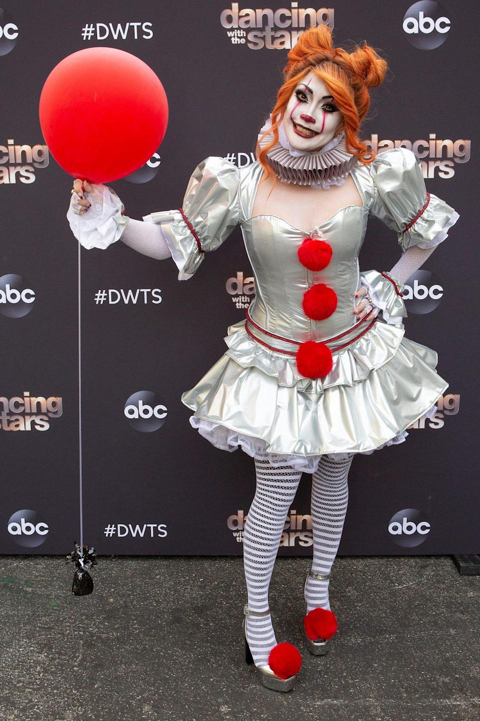 <p>The judge went all out, dressing as the terrifying Pennywise from <em>It</em>. </p>