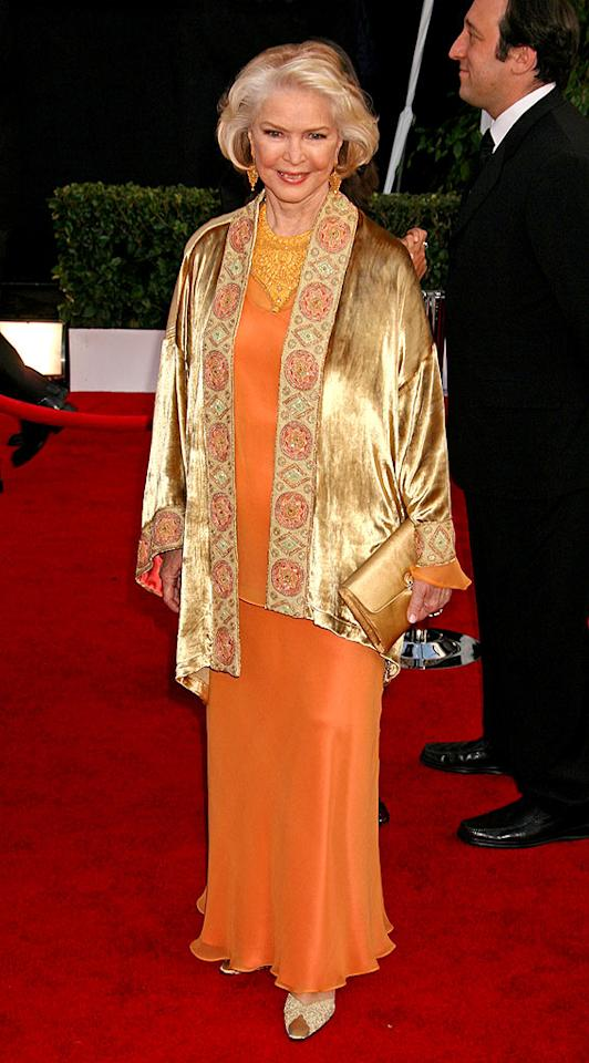 "75-year-old Oscar winner Ellen Burstyn takes a risk with this orange ensemble, and we applaud her for it. Russ Einhorn/<a href=""http://www.splashnewsonline.com"" target=""new"">Splash News</a> - January 28, 2008"