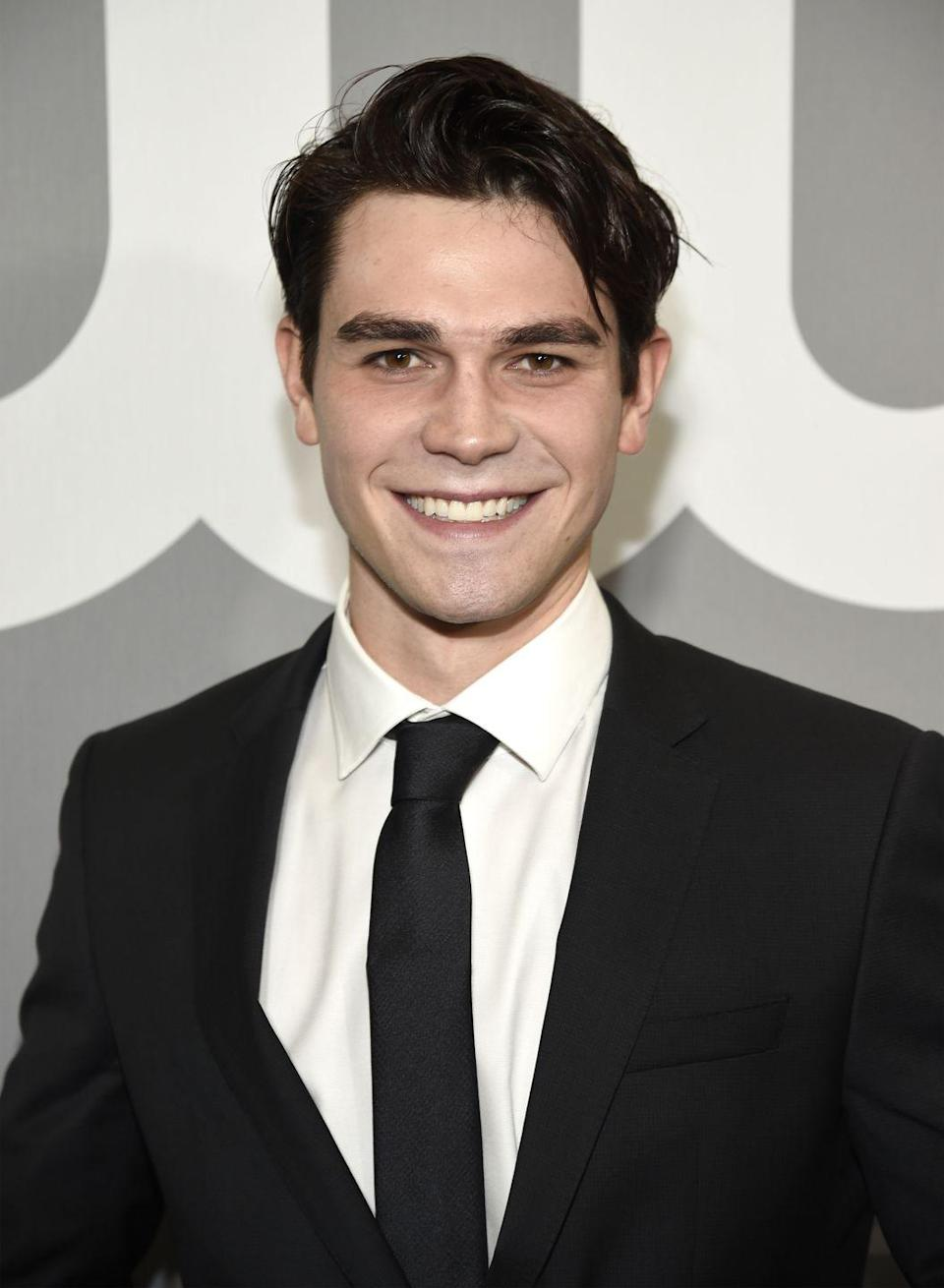 <p>The New Zealand-born actor also landed a leading role on <em>Riverdale </em>in 2017, but the show was Apa's big break (unlike Sprouse), so most viewers still don't realize he's a natural brunette.</p>