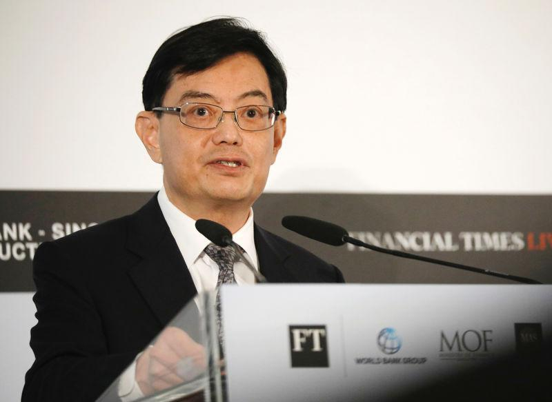 Singapore's Finance Minister Heng Swee Keat gives a keynote speech at the World Bank – Singapore Infrastructure Finance Summit in Singapore April 5, 2018. REUTERS/Edgar Su