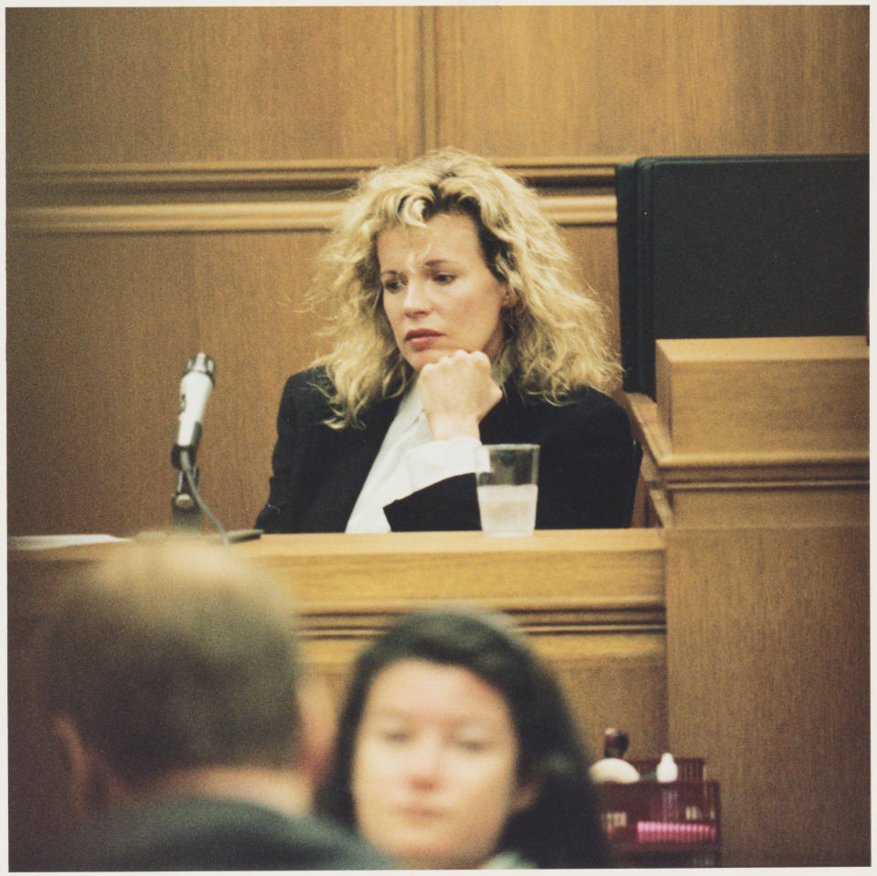 Kim Basinger testifies in civil court for a breach-of-contract lawsuit brought against her. The actress had allegedly made a verbal agreement to star in the 1993 film Boxing Helena, which she denies having done. The court orders her to pay $8.1 million to Main Line Pictures. (Photo by �� Steve Starr/CORBIS/Corbis via Getty Images)