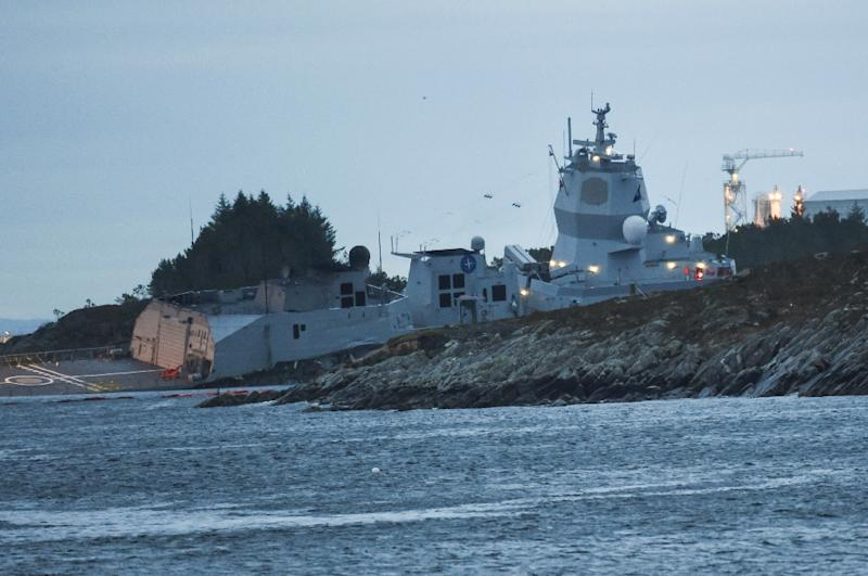 According to the Norwegian Coastal Administration, a 10-cubic metre helicopter fuel tank on the frigate was ruptured
