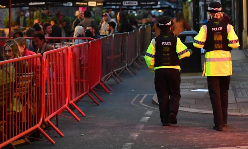 Police in England to enforce Covid rules on pubs with fines and arrests
