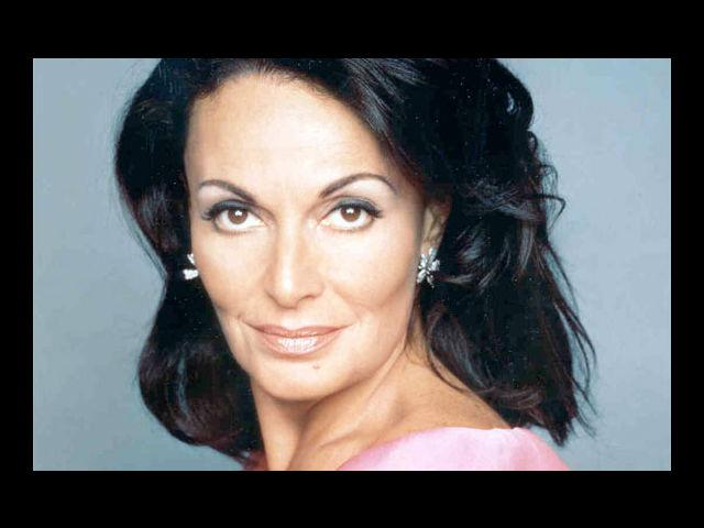 <b>5. Diane von Fürstenberg</b><br> The popular fashion designer rose to royalty when she married Prince Egon of Fürstenberg. Though her marriage lasted only three years, she still has that regal streak to her character.